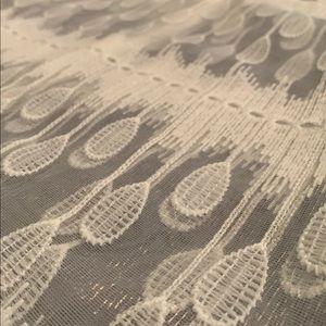 J.O.A. Los Angeles White Lace Sleeveless Blouse